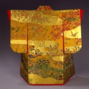 red-crane-with-gold-four-seasons